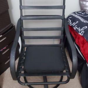 Reclining Swivel Patio Chair for Sale in El Cajon, CA