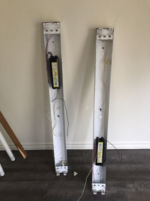 Free: fluorescent tube light fixtures for Sale in Austin, TX