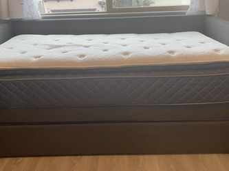 Daybed With Trundle And 2 Twin Mattresses for Sale in Henderson,  NV