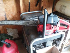 Craftsman 18inch 42 cc. Chainsaw for Sale in Fort Washington, MD