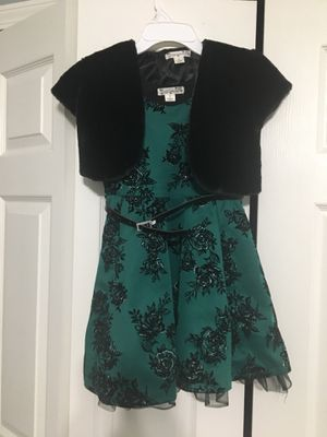 girls Christmas dress knit works size 8d for Sale in Macomb, MI