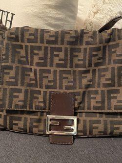 Authentic Fendi Baguette Bag for Sale in Carrollton,  TX