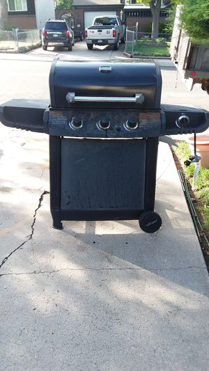 BBQ GRILL it works. for Sale in Colorado Springs, CO