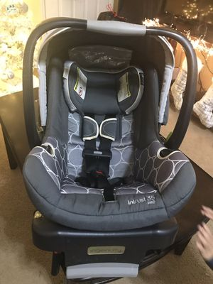 Car seat with base for Sale in Evans, GA
