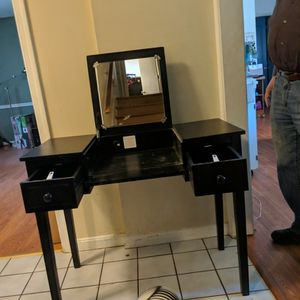 Vanity Makeup Table for Sale in Cary, NC