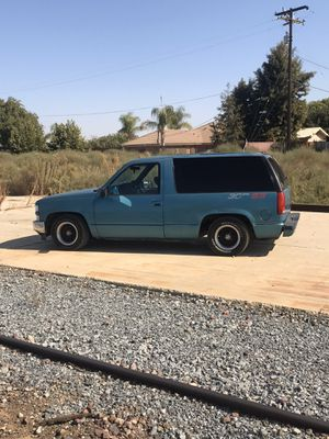 Tahoe 2 door for Sale in Fresno, CA