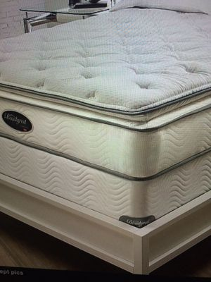 King super thick pillow top Simmons beauty rest mattress and box set 350. New for Sale in Kansas City, MO