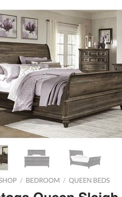 Queen Bed And 2 Side Tables for Sale in Seattle,  WA