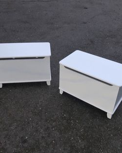 Pair Of White Storage Benches / Trunks / Chests - Delivery Available! for Sale in Seattle,  WA
