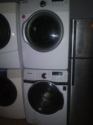 Samsung front load washer and gas dryer set for Sale in Cleveland, OH