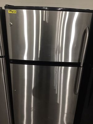 Ge stainless steel top and bottom refrigerator for Sale in Lexington, NC