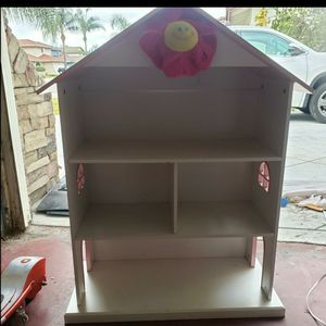 Dollhouse Bookcase In White / Pink for Sale in Cypress, CA