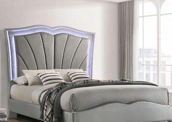 Grey Queen Bed Set for Sale in Fresno,  CA
