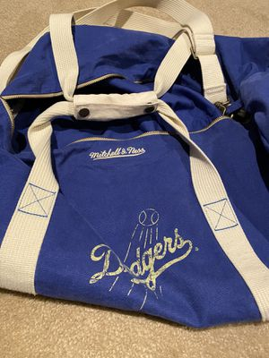 Los Angeles Dodgers Mitchell & Ness duffle bag for Sale in Fontana, CA