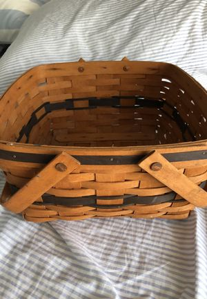 Longaberger 1992 JW cake basket. for Sale in Fort Lauderdale, FL