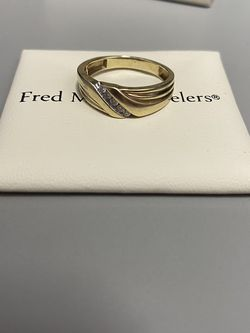 Men's Wedding Ring Size Either 8 Or 8.5 for Sale in Milford,  MA