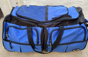 Duffle bag with wheels for Sale in Hughson, CA