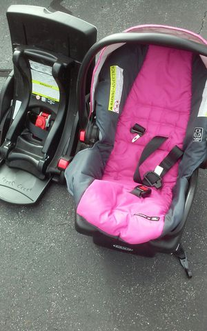 Carseats for Boy n Girl for Sale in Standish, ME