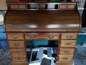 ROLL TOP DESK IN GREAT CONDITION COST $3,000. NEW, TAKE $395. for Sale in Glen Allen, VA