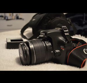 Canon Rebel T3 for Sale in Bakersfield, CA