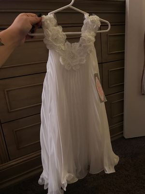 Flower girl dress size 4 for Sale in Ontario, CA