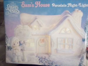 Precious moments night light Sam's house for Sale in Duncanville, TX