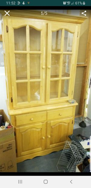 light wood hutch 2.pc for Sale in HUNTINGTN BCH, CA