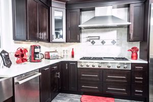 Shaker Espresso Kitchen Cabinets for Sale in Cleveland, OH