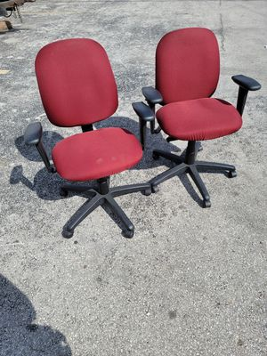 Deluxe Adjustable Office Desk Chair for Sale in Orlando, FL