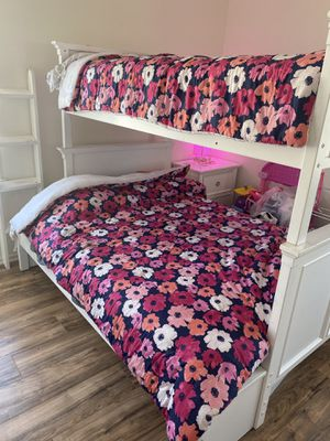 Bunk bed with foster full size mattress and foster twin mattress for Sale in Los Angeles, CA
