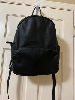 Backpack for Sale in Holly Springs,  NC