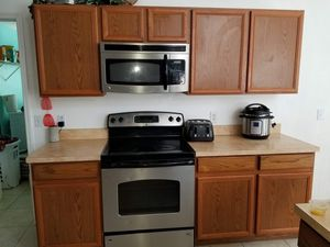 Kitchen Cabinets for Sale in Kissimmee, FL