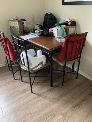 Free Dining Table for Sale in Tustin, CA