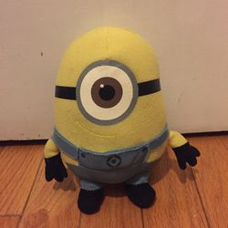 Despicable Me Mini Carl Plush for Sale in Chicago,  IL
