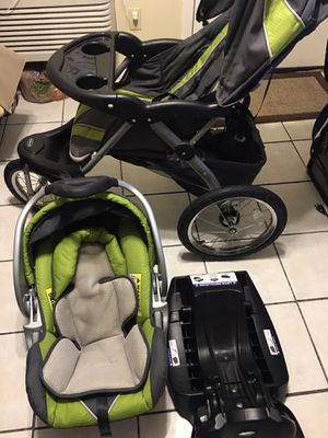 Baby car seat and stroller for Sale in Youngsville, LA