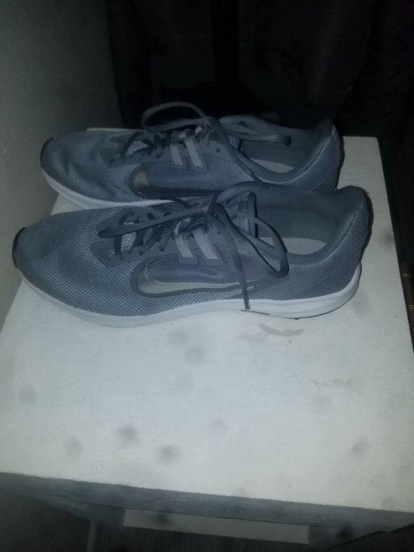 Nike running shoes (NEVER WORN)