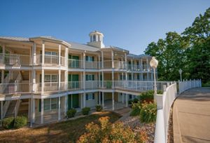 2B2Ba Timeshare Week before Christmas Fox River Holiday Inn Club Resort Sheridan IL for Sale in Sycamore, IL