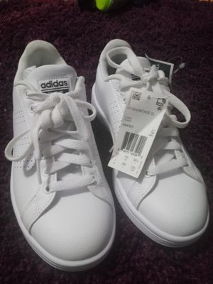 Women adidas size 7 for Sale in Winter Hill, MA