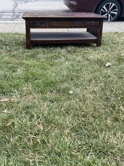 Free Coffee Table for Sale in Columbus,  OH