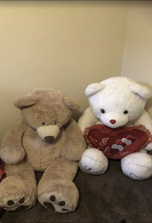 Two giant teddy bears 🧸 for Sale in Murrieta, CA