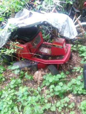 Murray Riding Lawn Mower 10'30' for Sale in Omro, WI