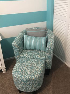 Girls chair with ottoman for Sale in Moreno Valley, CA