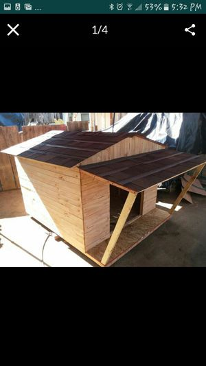 Custom made large dog houses for Sale in Dinuba, CA
