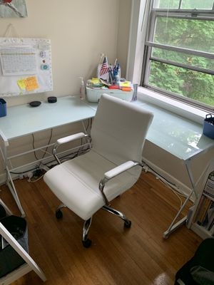 Walmart corner study table and study chair for Sale in Bloomfield, NJ