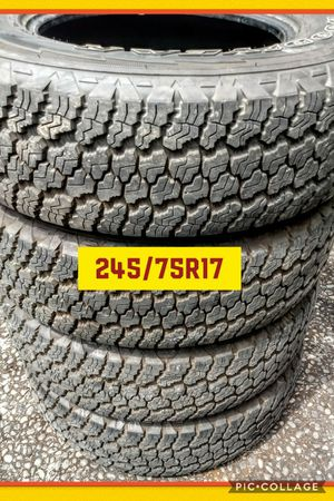 Set 4tires like new no rims for Sale in Vancouver, WA