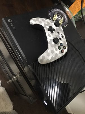 Xbox one for Sale in Seffner, FL
