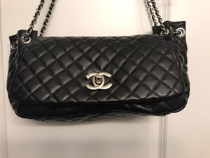 Brand name designer purse black quilted like new for Sale in Mokena, IL