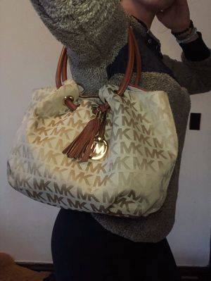 Michael Kors purse/bag for Sale in Minneapolis, MN