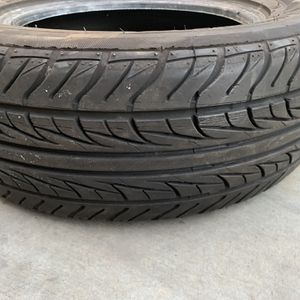 Tire With No Rim 20.5 65R15 95H for Sale in Huntington Beach, CA