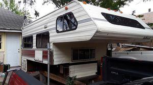 Hallmark, 10.5 over cab camper for Sale in Pueblo, CO